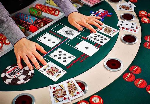 Thay đổi khoảng bài tố khi chơi bài poker