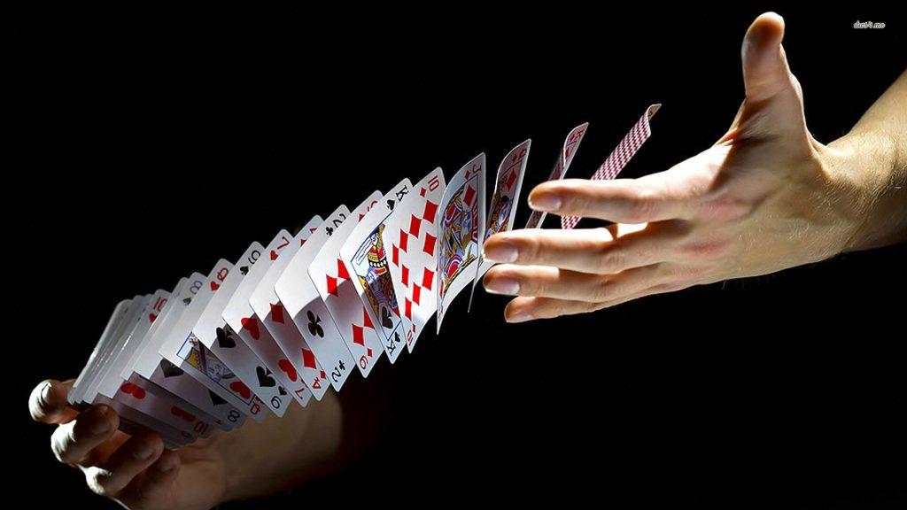 """Bí kíp chơi bài sâm lốc - """"móc túi"""" đối thủ"""